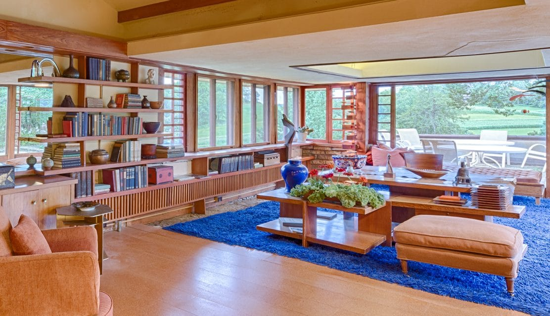 peek inside 7 iconic frank lloyd wright buildings frank. Black Bedroom Furniture Sets. Home Design Ideas